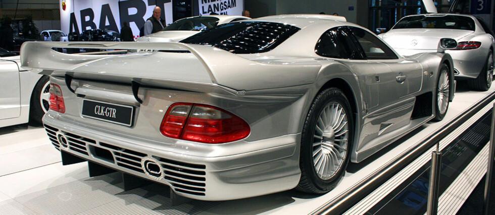 Den fantastiske CLK-GTR gateversjonen fra 1998 - solgt i 25 eksemplarer tilsammen, coupé og roadster. Foto: Knut Moberg