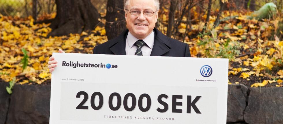 HASTIGHETSLOTTERIET: Bengt Holmström ble første vinner i et eksperiment der bilister som holder fartsgrensen er med i trekning om belønning. Bildet publisert under Creative Commons Foto: Christian Björnerhag