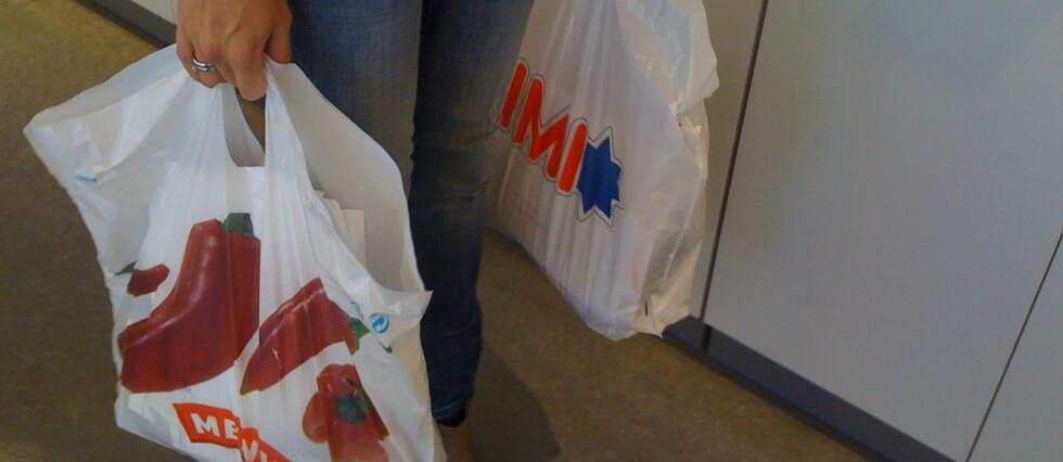 IKKE LENGER GRATIS: Norges dyreste bæreposer må du betale en krone for. For 20 år siden var de gratis... Foto: DINSIDE