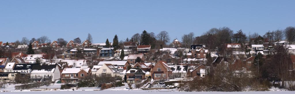 Det kalde novemberværet la ingen nevneverdig demper på boligprisene. Foto: Colourbox.com