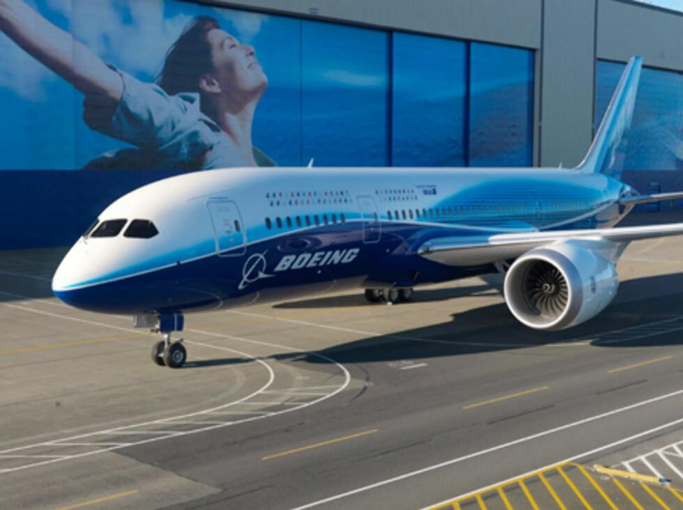 56 flyselskap har lagt inn bestillinger på til sammen over 840 fly. Mange har vært frustrerte over forsinkelsene, og cirka 100 fly er avbestilt. Foto: Boeing