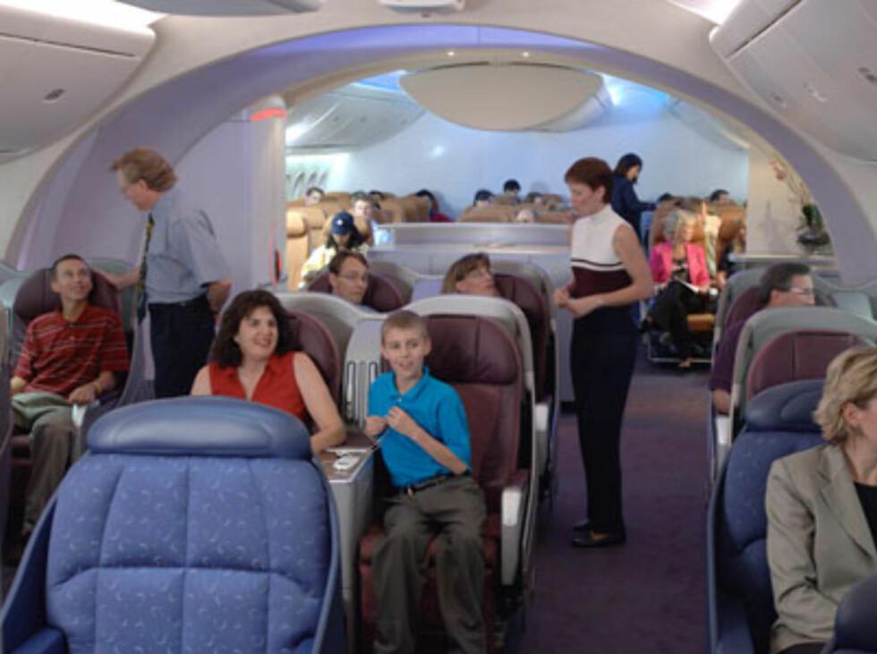 Forskjellig lyssetting skal simulere forskjellige tider på døgnet, og dermed redusere jetlag. Foto: Boeing