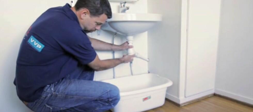 Vannlåsen renser du enkelt selv. I videoen under kan du se hvordan du gjør det. Foto: NRL