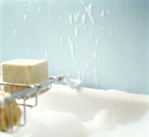 Dersom jobben er korrekt utført kan du trygt dusje rett på malte flater.  Foto: Ifi/Beckers