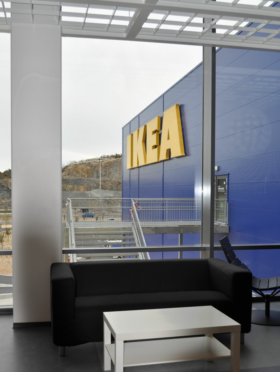 Sliten underveis? Nye Ikea har rikelig med pauseplasser for deg som trenger en pust i bakken. Foto: Ikea