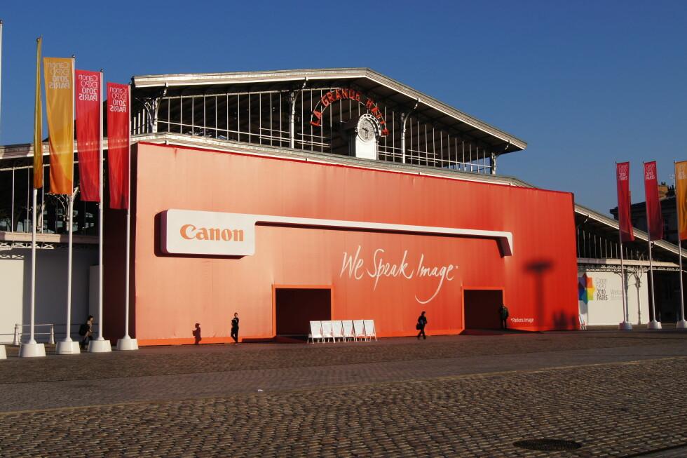 Le Grande Halle, åstedet for Canon Expo 2010 i Paris. I tre dager er hallen fylt til randen av teknologi fra Canon; mye på prototypestadiet. Foto: Pål Joakim Olsen