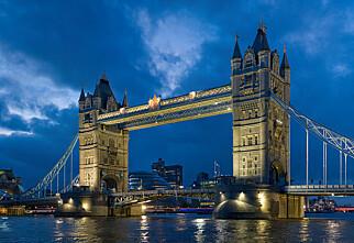 Advarer turister mot å dra til London