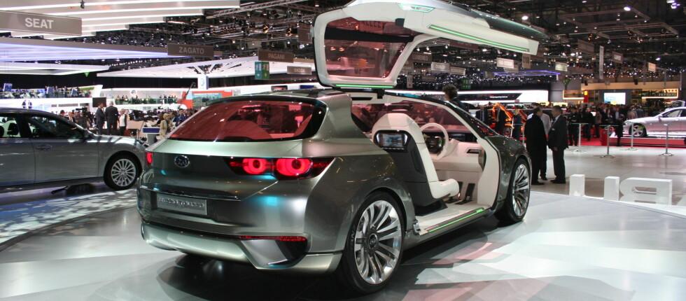 Konseptbilene er blant trekkplastrene på bilutstillingene. Her en Subaru i Genève tidligere i år. Foto: Knut Moberg