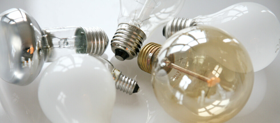 KILDESORTERING: Lyspærer, gamle som nye, glødelamper og sparepærer, skal ikke kastes i søpla.  Foto: Colourbox.com