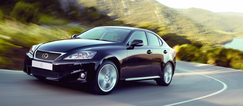 """Lexus IS FL: Fornyer sin """"BMW-killer"""""""