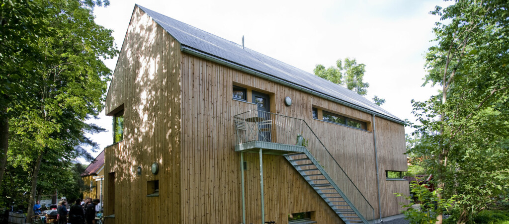 <b>PASSIVHUS:</b> Går alt etter planen, vil alle nye boliger som bygges være passivhus, slik som denne boligen i hovedstaden.  Foto: PER ERVLAND