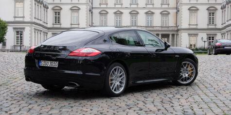 image: PRØVEKJØRT: V6 - mye rimeligere Porsche Panamera