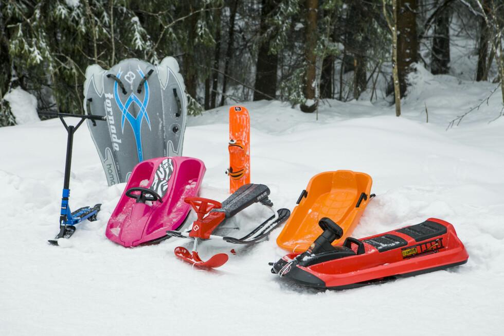 TESTOBJEKTENE: Vi har testet sju mer eller mindre heftige snøracere. Spesielt en av dem skilte seg ut. Foto: Per Ervland