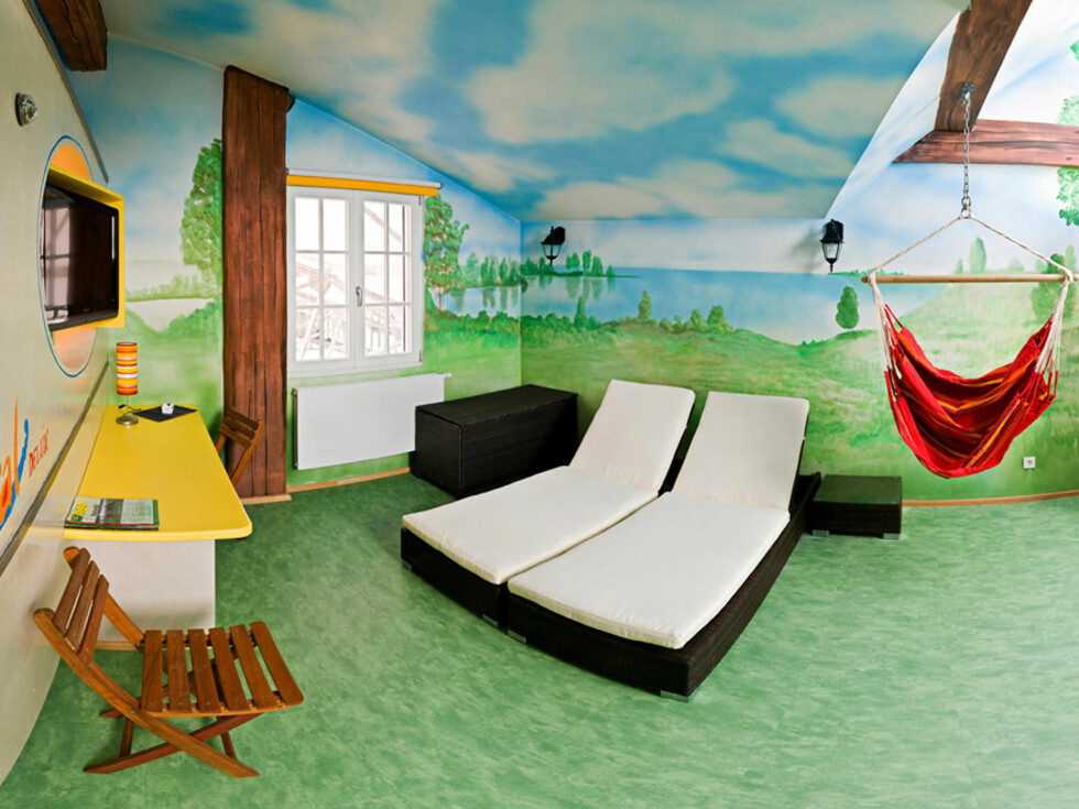 Temarom: Camping Foto: V8 Hotel