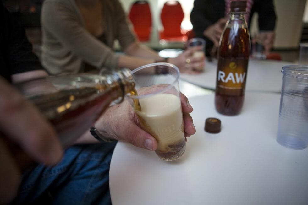 PEPSI RAW: Hvordan smaker den naturlige brusen? Svaret finner du lenger nede i artikkelen. Foto: Per Ervland