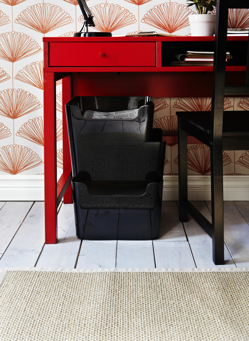 Polyetylen-beholderne Pluggis er laget av resirkulert materiale, kan stables og finnes i ulike størrelser. 59 og 85 kroner per stk. Foto: Ikea