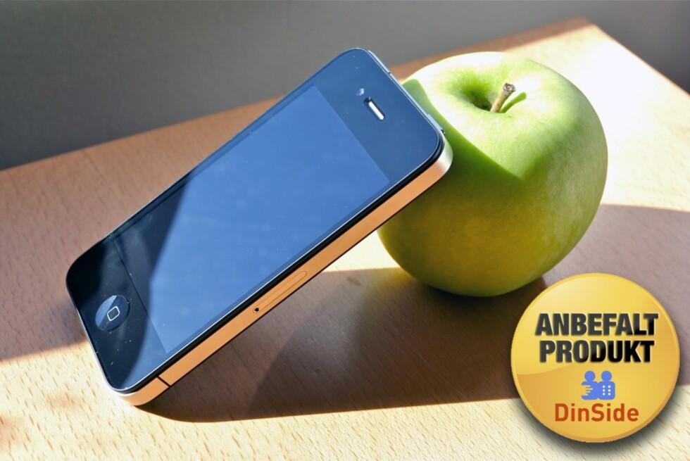 HER HAR VI BRUKT FANTASIEN: Eple og iPhone 4. Eple. iPhone 4. Vår manglende oppfinnsomhet til tross: Dette er en strålende mobiltelefon. Foto: Øivind Idsø