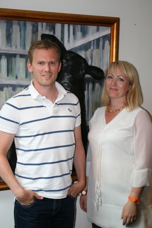 Christian Sæterhaug i Tele2 sier til DinSide at han er stolt av samarbeidet med Bipper og Silje Vallestad (til høyre). Foto: Kristina Picard