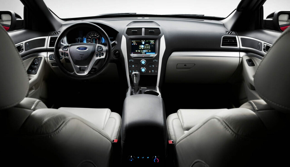 2011 Ford Explorer: The all-new Explorer interior features soft touch materials. (07/26/2010) Foto: Wieck