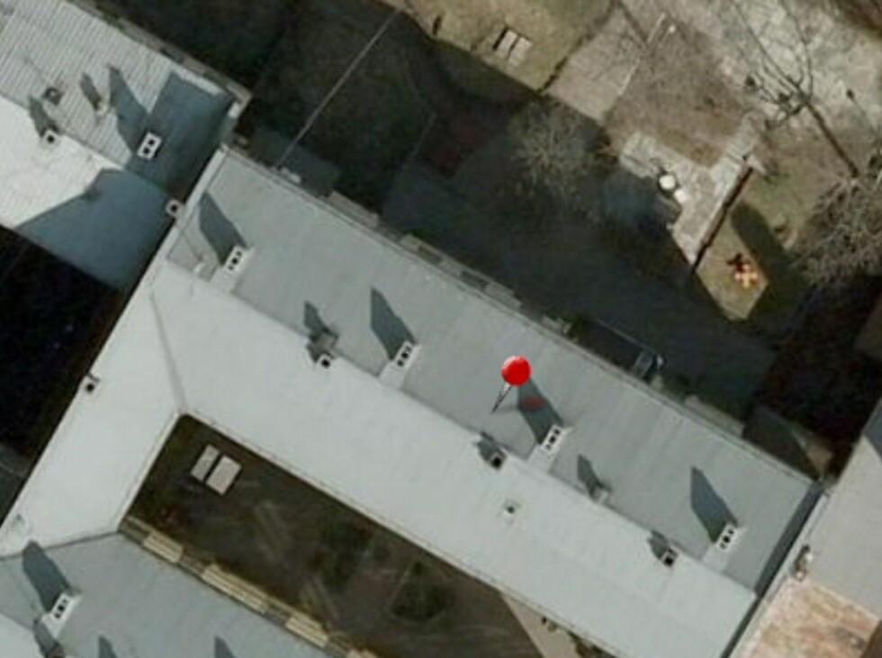 Flyfoto-funksjonen i Finn-kartet gir oss svar på det vi lurer på: Balkongen er nordøstvendt.  Foto: Finn.no