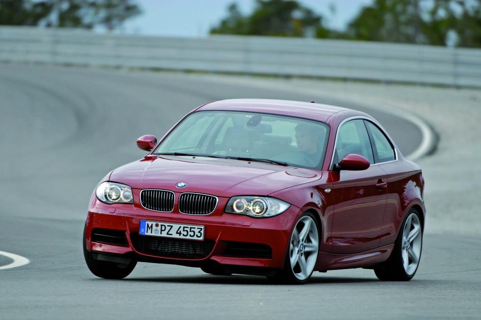 BMW 1-serie kan kjøpes med to av vinnermotorene Foto: BMW