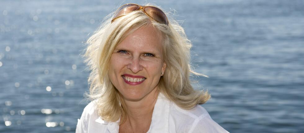 Forbrukerøkonom Sidsel Sodefjed Jørgensen i DnB NOR advarer mot å miste kontrollen på ferie. Foto: DnB NOR