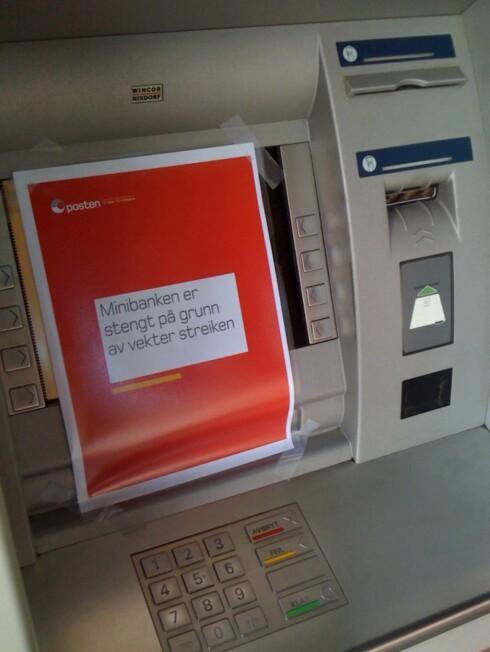 Mange minibanker er nå tomme for kontanter. Foto: Bjørn Eirik Loftås