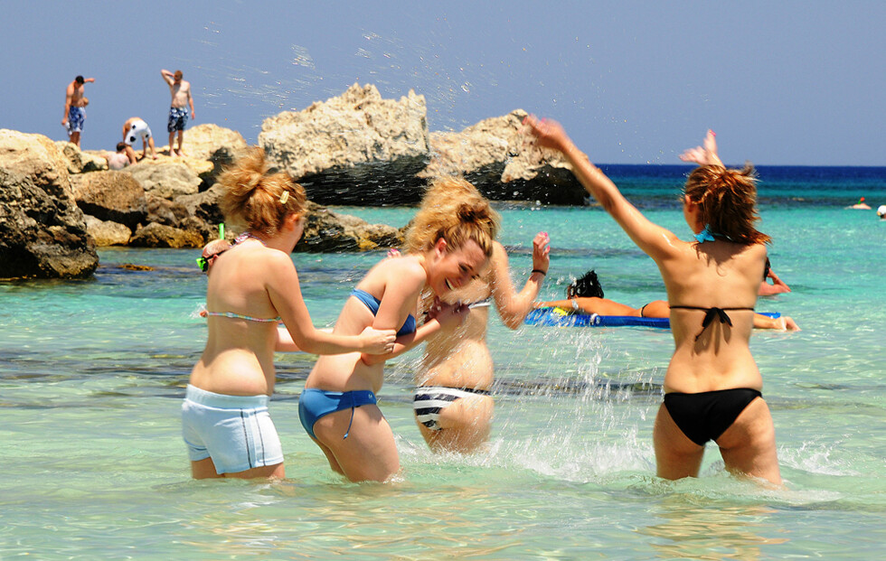 Strender for alle finner du rundt Pretoras og Ayia Napa, men du skal ikke så langt for å oppleve nye ting. Du kommer langt på en dag med leiebil på Kypros.  Foto: Hans Kristian Krogh-Hanssen