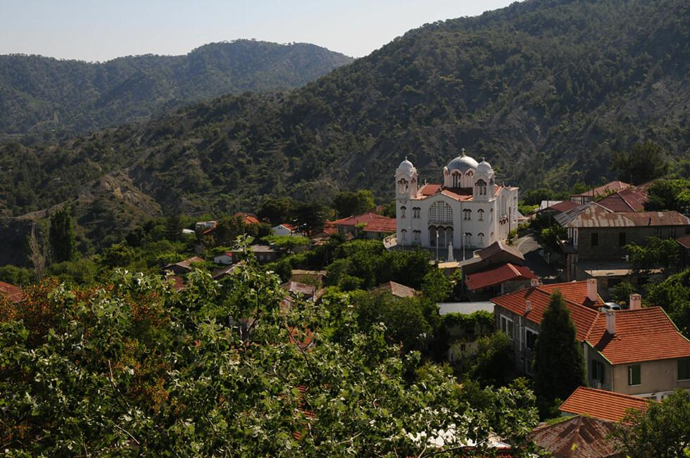 Det kryr av sjarmerende små landsbyer i fjellene på Kypros. En kjøretur er å anbefale.  Foto: Hans Kristian Krogh-Hanssen