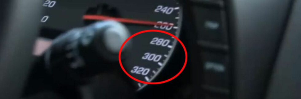 GRISEFORT: Dette bildet fra ABHDs blogg-film, beviser at det går fort i en Corvette ZR1, selv med veiarbeider og andre biler å forholde seg til på autobahn. Foto: ABHD