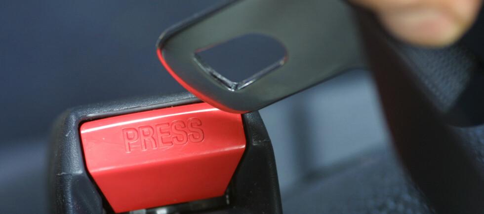 <strong><strong>KONTROLLERT:</strong></strong> Det er ikke bilfører som betaler om passasjeren glemmer det, men det er bilførers ansvar dersom barn under 15 ikke bruker belte. Foto: colourbox.com