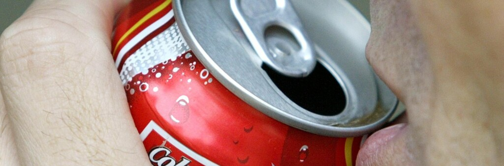 Kutt ned på sukkerholdig drikke, og få ned blodtrykket.  Foto: Colourbox.com