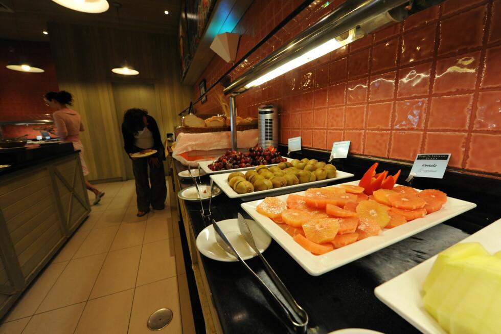 Frokostbuffeten er stor og av god kvalitet. Foto: Hans Kristian Krogh-Hanssen