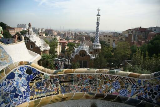 Parc Güell er en av Barcelonas mange grønne lunger. Foto: Colourbox
