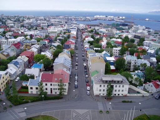 Reykjaviks gater varmes opp av geovarme. Foto: Yelkrokoyade