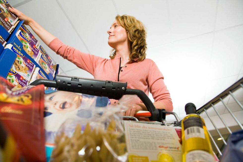 Nordmenn på handletur over grensen bruker mye penger på matvarer. Foto: Helsedirektoratet, Wenche Hoel-Knai