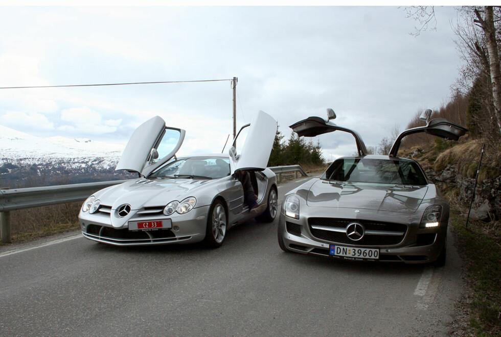 Utgåtte SLR McLaren til venstre, nykommer SLS AMG til høyre Foto: Knut Moberg