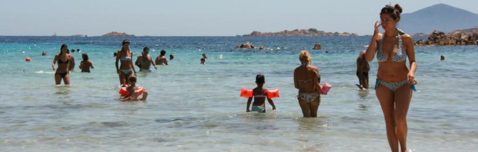 Det er dette vi helst vil ha i sommer - sol, varme og deilige badetemperaturer. Her fra Sardinia. Foto: Stine Okkelmo