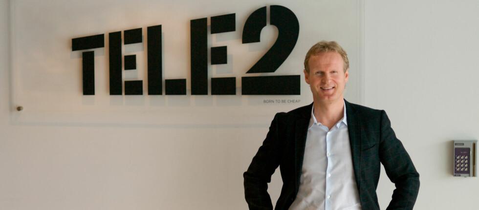Er du kunde i Tele2, kan du ta direkte kontakt med administrerende direktør i Tele2 Haakon Dyrnes. Det liker folk, tror Dyrnes. Foto: Tele2