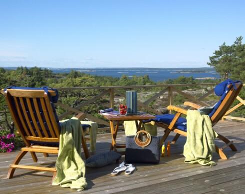 En terrasse kan gjerne være enkel. Her er det utsikten som er i fokus.  Foto: Ifi.no