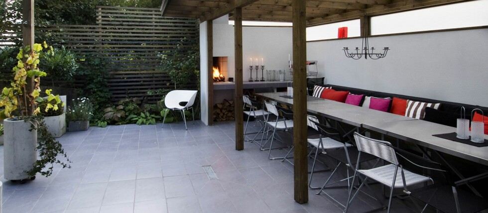 Med en fint planlagt uteplass får boligen et ekstra rom i sommerhalvåret. Foto: Peder Austrud/Ifi.no