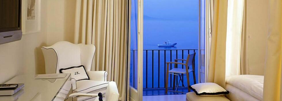 Enkel, stilren men luksuriøs innredning. Foto: J.K. Place, Capri