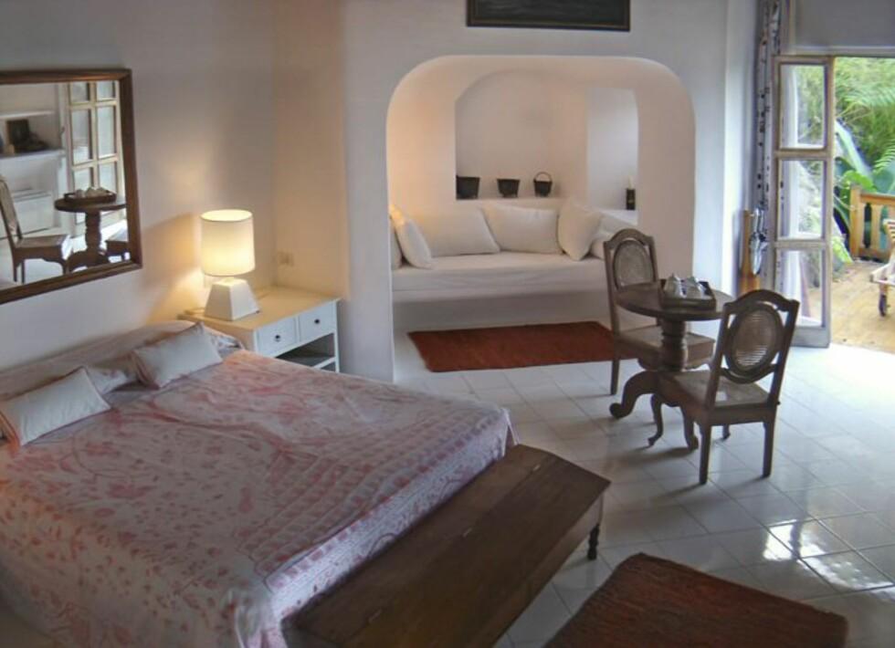 Rommene er enkle, men komfortable. Foto: Hotel Raya, Panarea