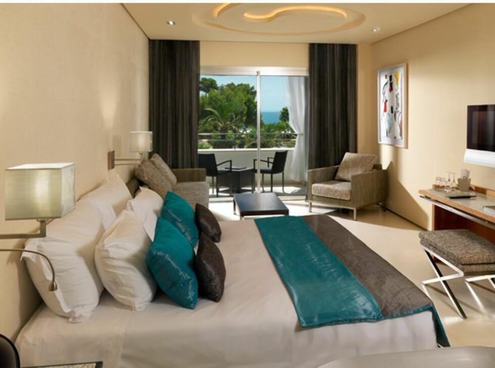 Dette rommet er hakket finere, og selvsagt litt dyrere. Foto: Aguas de Ibiza, Spania