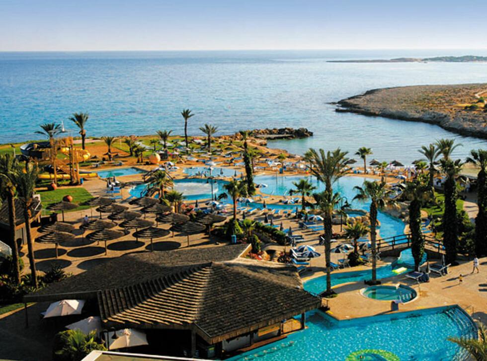 Bassemgområdet er et av Adams Beach Hotels store pluss. Foto: Hans Kristian Krogh-Hanssen