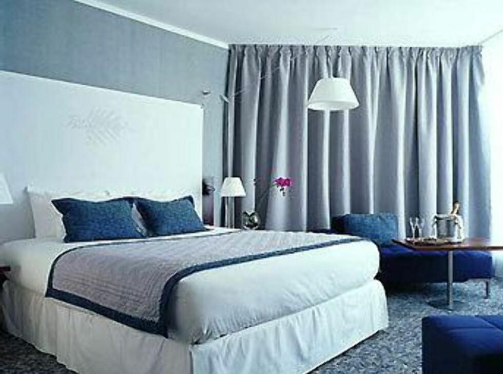 Rommene holdes i hvitt og blått. Foto: Pullman Marseille Palm Beach