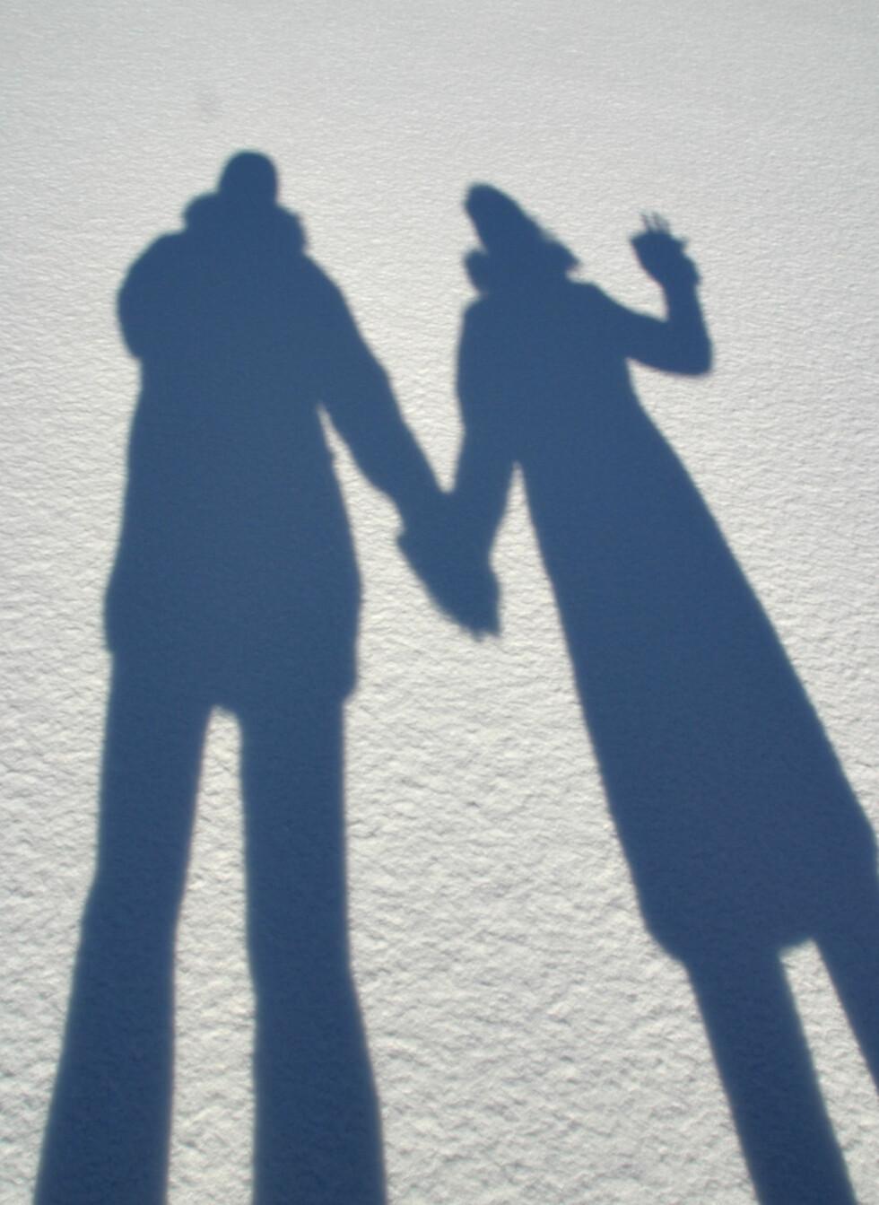 """Sola ligger lavt om vinteren, som gjør at skygger blir ekstra lange. (Foto: <a href=""""http://www.flickr.com/photos/djbrady/1206371748/"""">Dan and Cathy</a> av <a href=""""http://www.flickr.com/photos/djbrady/"""">DanBrady</a> (<a href=""""http://creativecommons.org/licenses/by/2.0/deed.en"""">Creative Commons</a>)"""