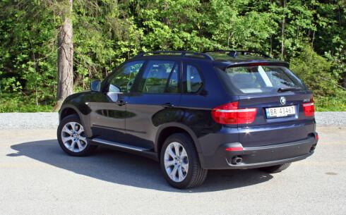 Ifølge LeasePlan vil en også en BMW X5 til rundt 1,2 millioner kroner bli en dyr fornøyelse. Blant annet vil verditapet utgjøre rundt 16.000 kroner per måned de tre første årene.