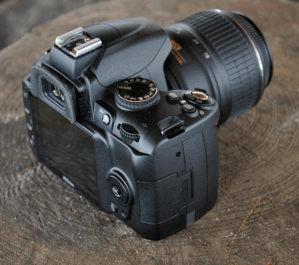 image: Nikon D3000