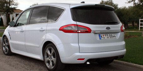 Ford S-Max: Fornyet familiefavoritt